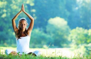 Outdoor fresh air yoga