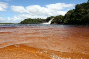Canaima waterfall